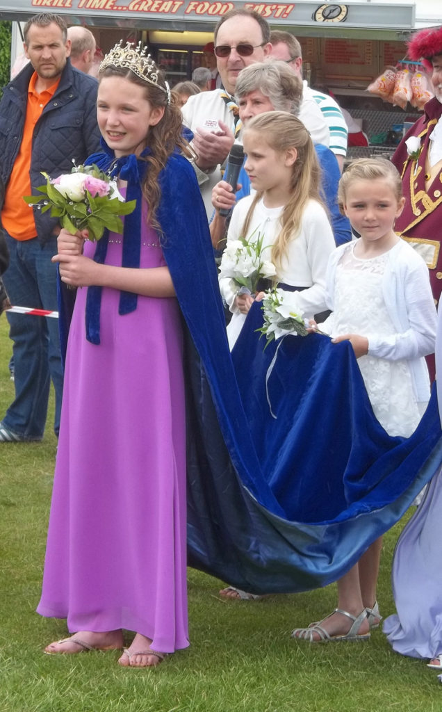 The Gala Queen and her attendants