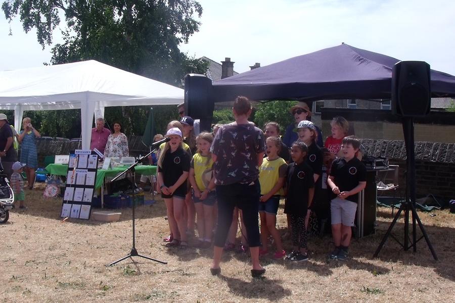 Kirkheaton Primary School choir sing their hearts out
